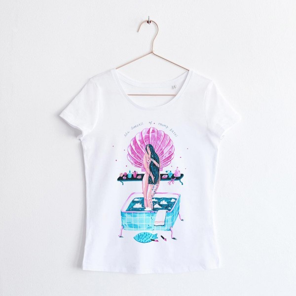 GODDESS OF FOAMY BATHS / SCOOP NECK TSHIRT